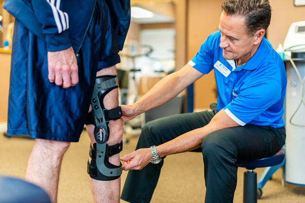 Custom Knee Bracing   Huronia Physiotherapy & Chiropractic Clinic